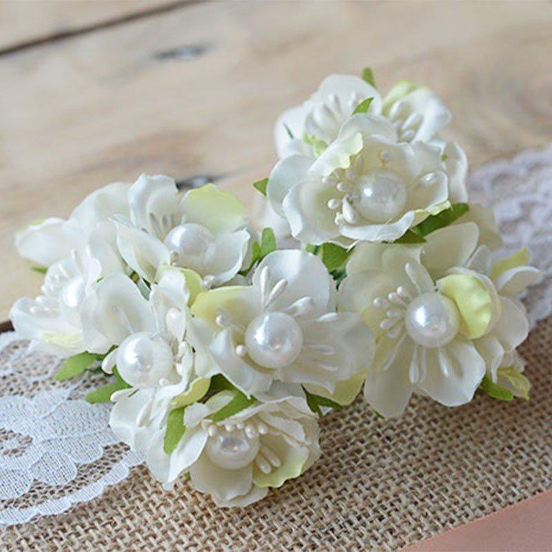 Fleur De Dragee Blanche Avec Perles Decoration Mariage