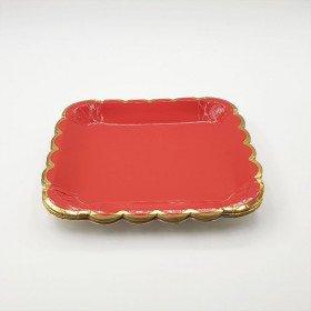 10 petites assiettes carrée rouge bord or