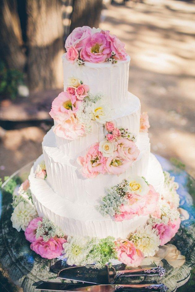 Lettre K Wedding Cake