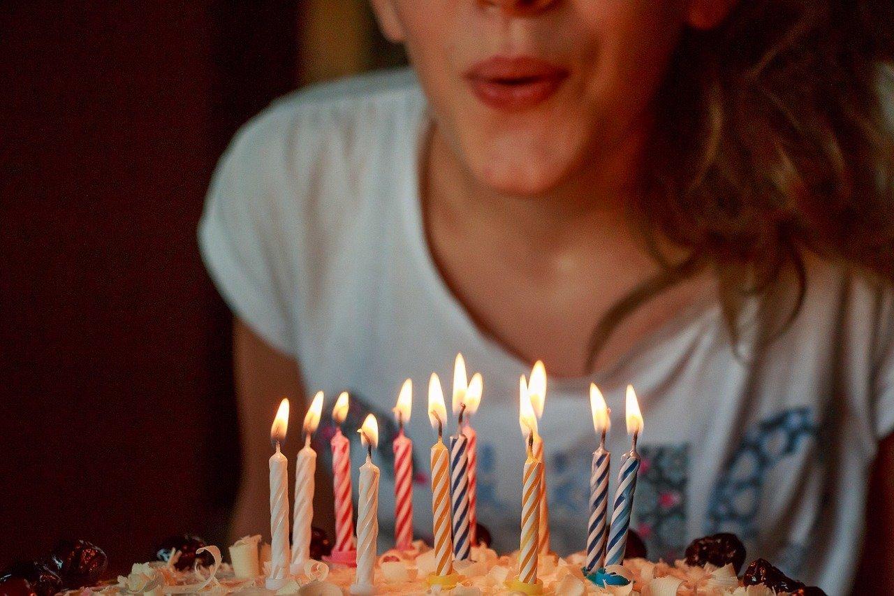 décoration fête anniversaire pour les 18 ans