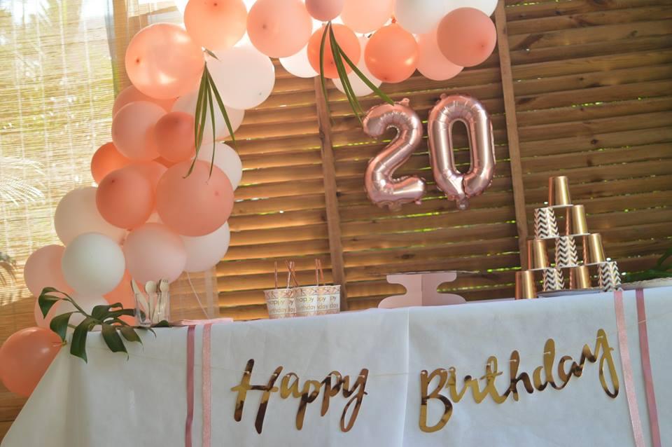 idées de décoration pour un anniversaire rose gold