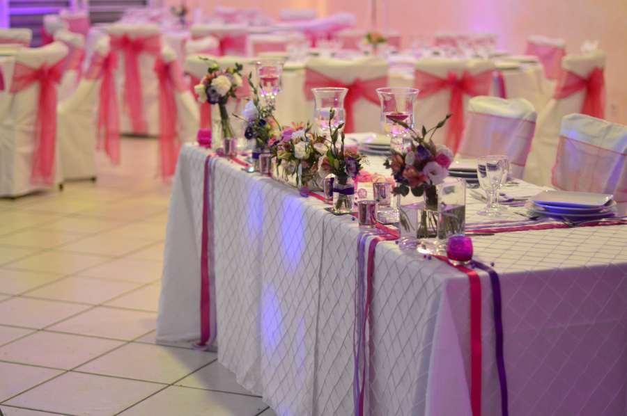Mariage fushia violet blanc tendance boutik - Miroir centre de table ...