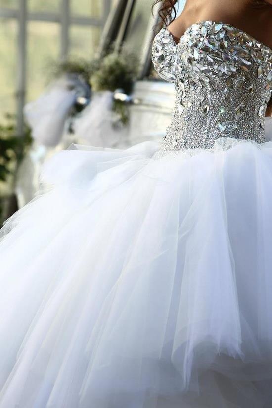 Strass a coller sur robe de mariee